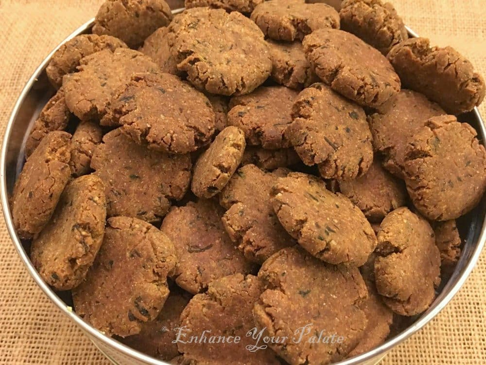 Baked Multigrain Fenugreek Crackers Methi Mathari