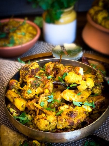 Aloo-Gobi (Spicy Cauliflower Potato Curry)