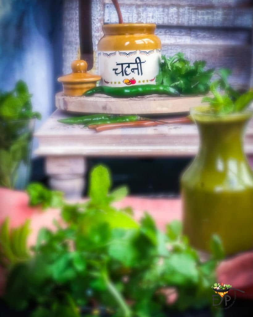 Cilantro Mint Green Chutney in a ceramic jar and glass jar
