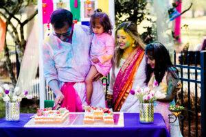 Cake cutting family picture
