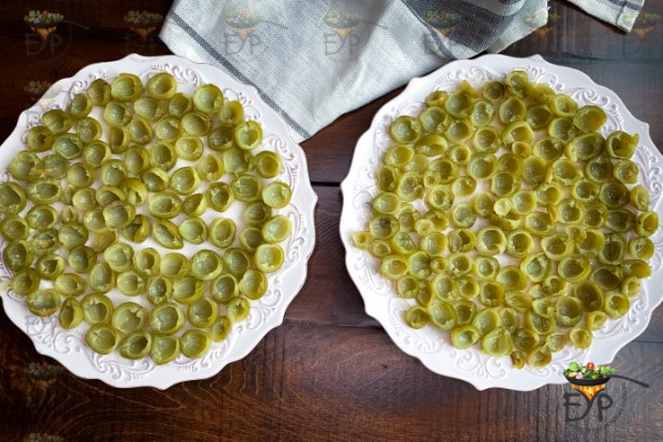 Lasoda halves spread on the plate