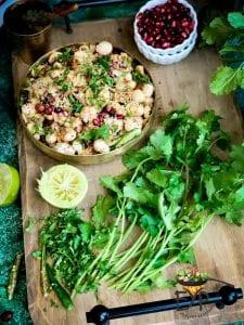 Keep the Makhana Bhel healthy by avoiding fried additives