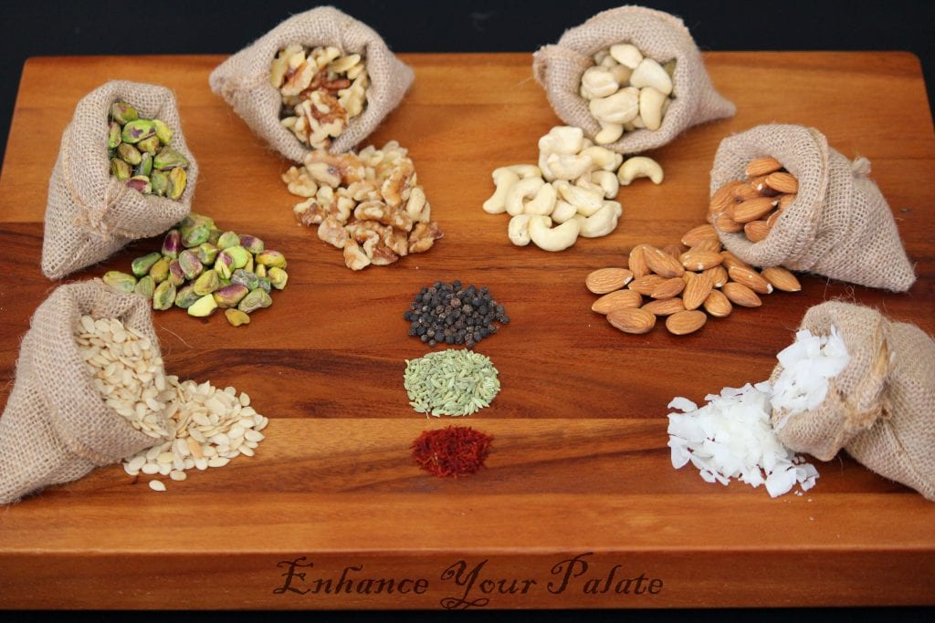 Ingredients for your own homemade mixed nut butter