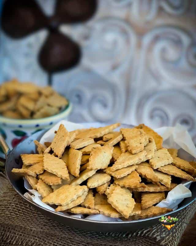 Namak Para served in a plate