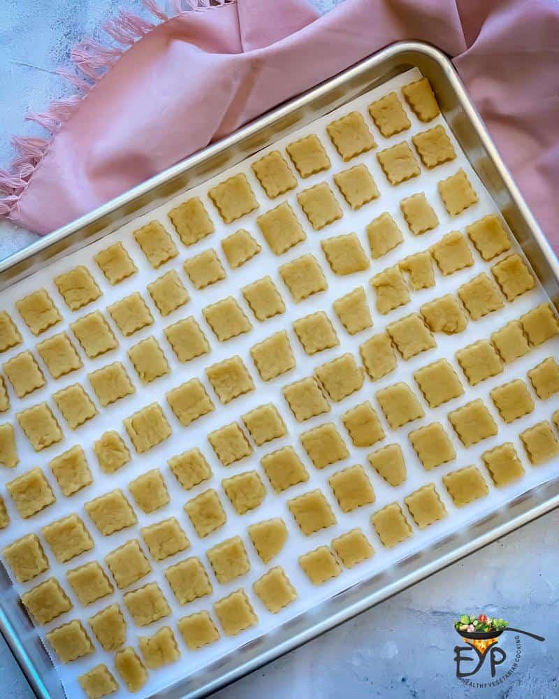 ready to bak shakarpara on a baking tray